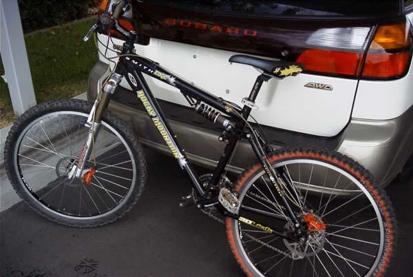 Rocky Mountain Slayer / Edge Mountain Bike