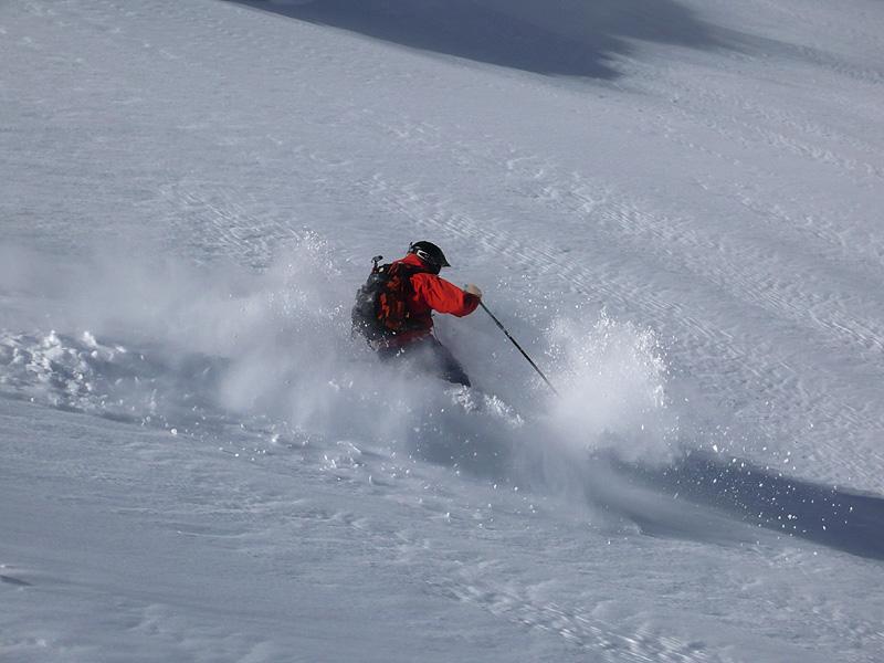 Early season Powder skiing on Timpanogos