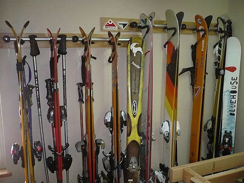 Boardz Up wall mount ski racks