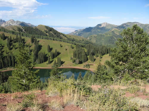 Desolation Lake from the Wasatch Crest Trail