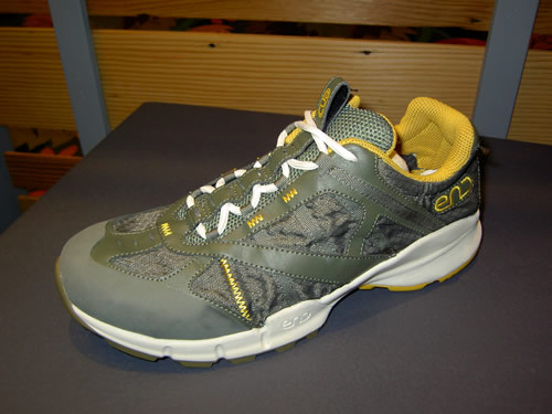 END Stumptown 12 oz Trail Running Shoe