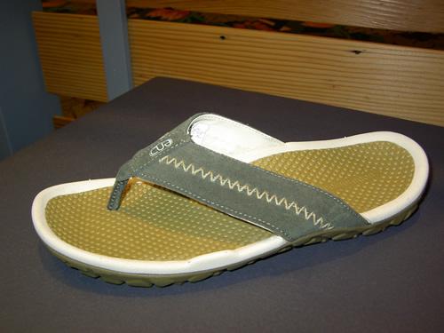 END Trail Thong Sandals
