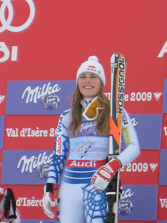 Lindsey Vonn Wins the 2009 FIS World Cup Downhill
