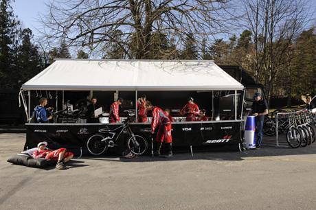 Scott11 Downhill and 4X Mountain Bike Race Team
