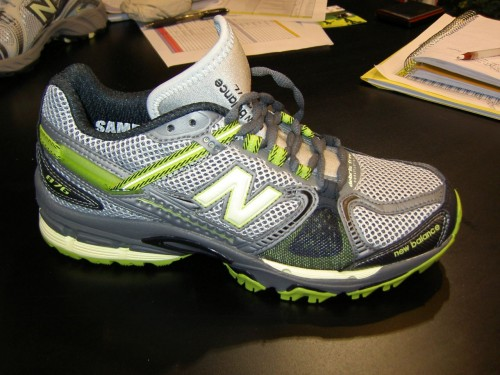 2010 New Balance 876 Trail Running Shoes