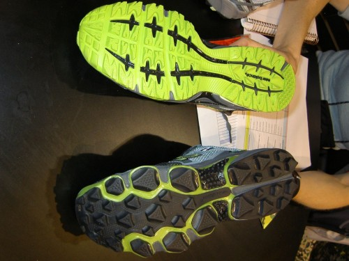 New Balance 876 Trail Runner - 2009 vs. 2010 soles