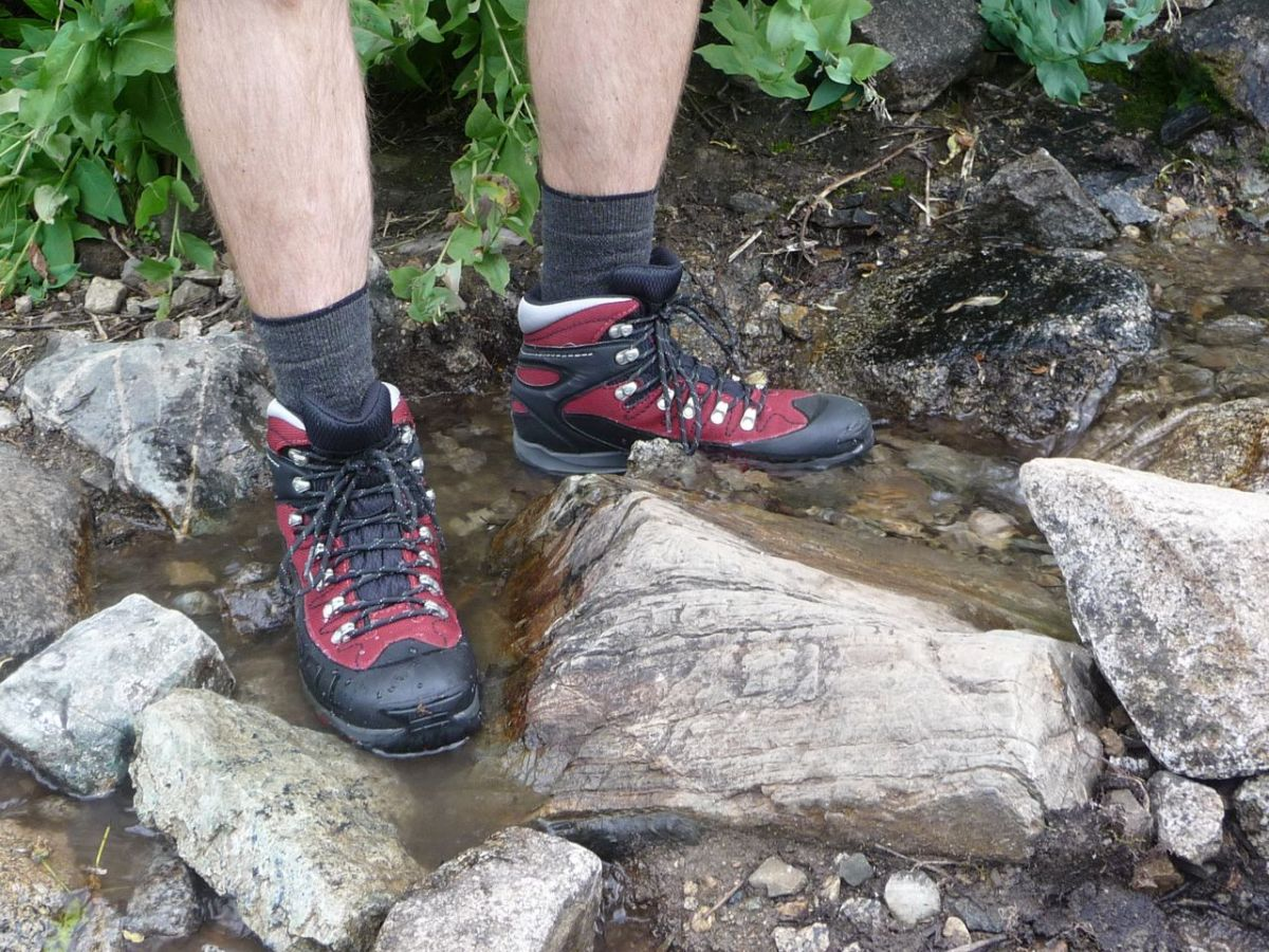 Merrell Outbound Mid Gore-Tex Hiking Boots Review - FeedTheHabit.com d901a9d5c8