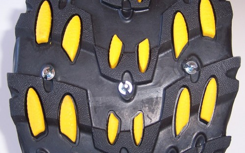 screw-in hobnails for super traction