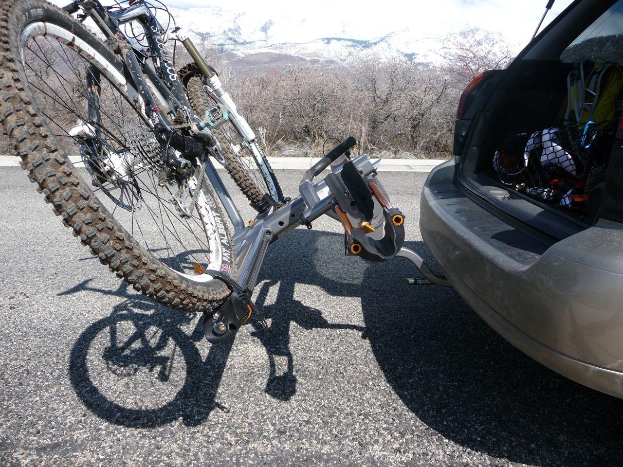 review beta bikes kuat transfer grey tray alpha adorable inch gunmetal sherpa size rack hitch single of kit bike lock full receiver