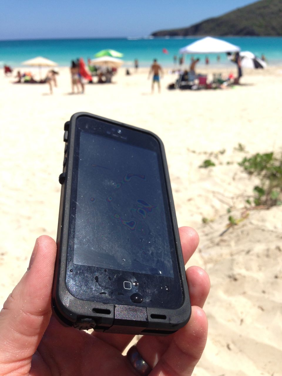 LifeProof fre iPhone 5 Waterproof Case Review - FeedTheHabit.com ca4fb5c1f