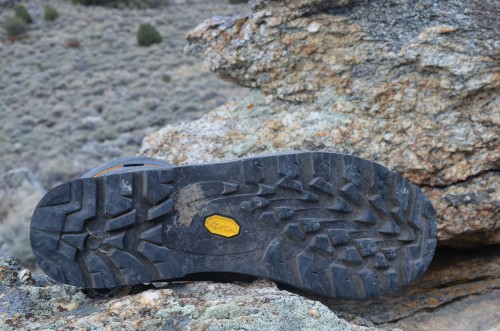Here's that Vibram sole - while the clay-based soil in Northern Nevada can be challenging, the treads still retain too much mud.