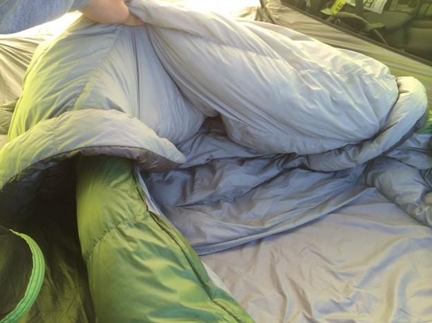 Sierra Designs Backcountry Bed 800 3-season Review