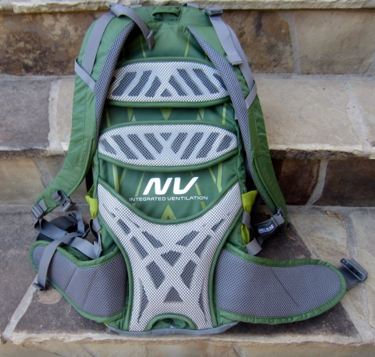 CamelBak Fourteener NV support