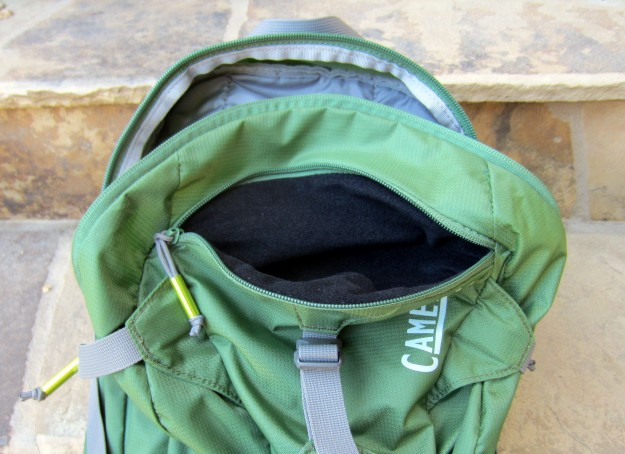 CamelBak Fourteener top pockets