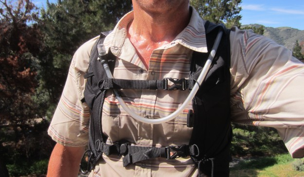No irritation from chest snaps, even when wet or when using sternum straps.