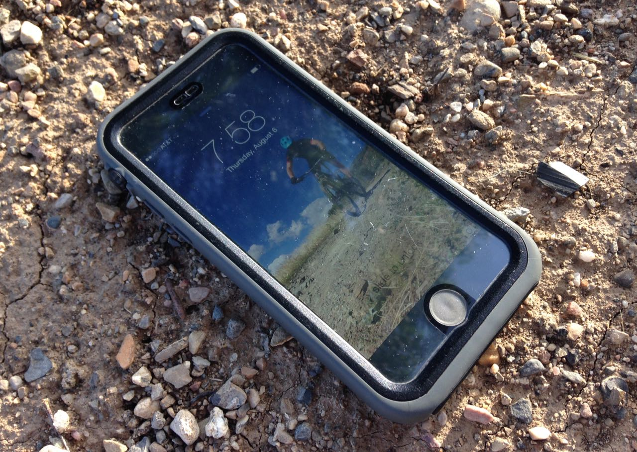 the best attitude 9d2b0 e6bed Review: Catalyst Waterproof Case for iPhone 6 - FeedTheHabit.com