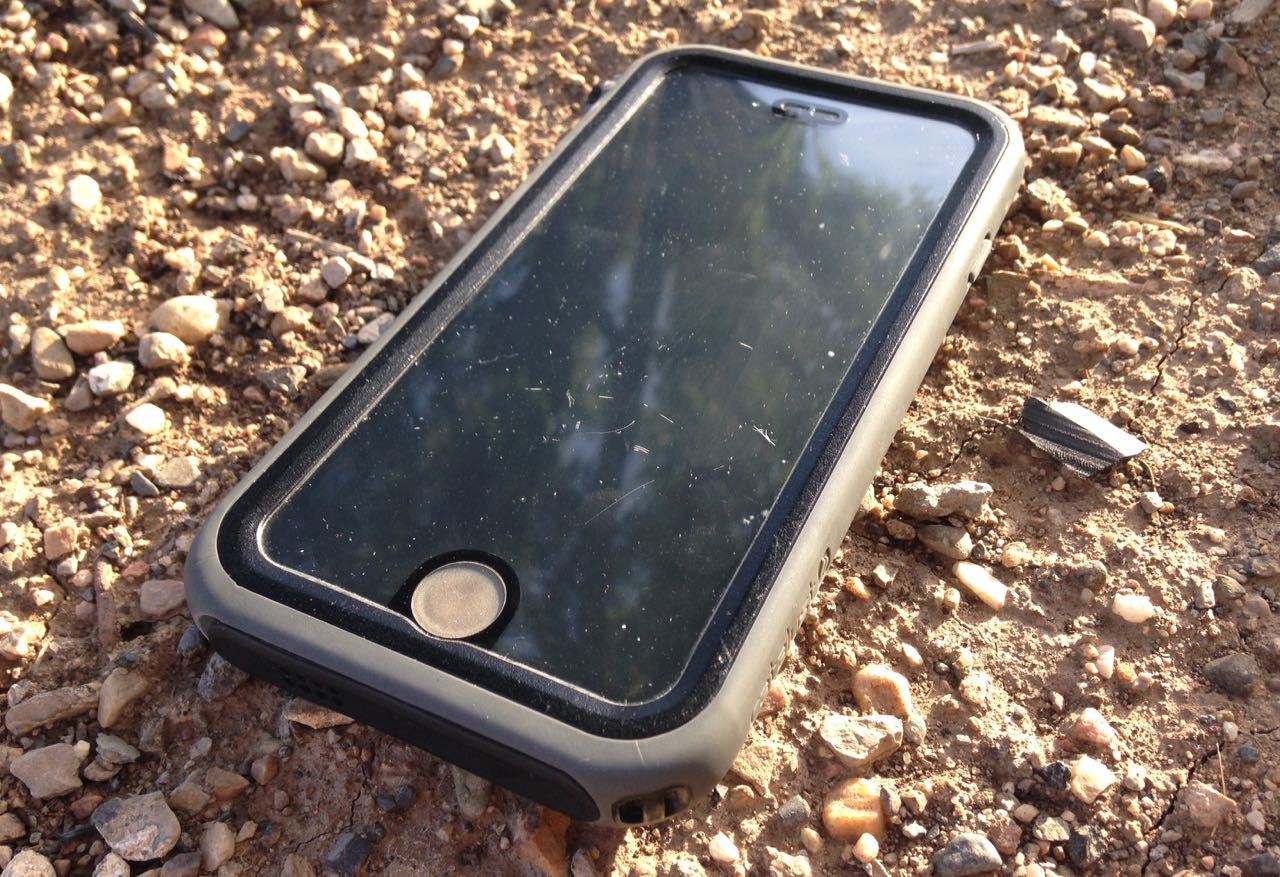 d2cc624aa5f1e9 Review: Catalyst Waterproof Case for iPhone 6 - FeedTheHabit.com