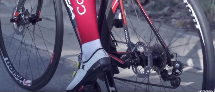 You can see the standard QR with flat-mount calipers and 140mm rotors.