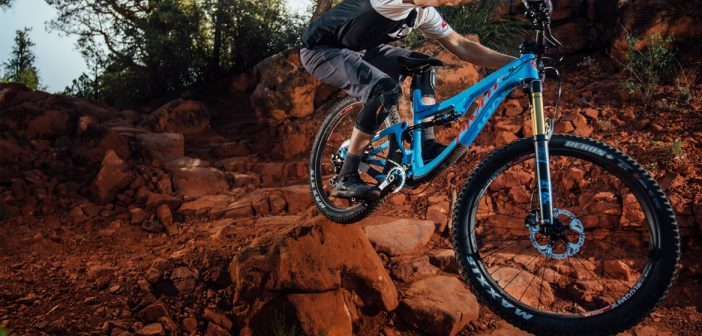 The Versatile Pivot Switchblade Goes 29 or 27 5+